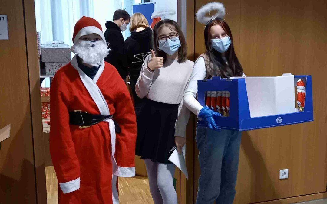 Mission: Weihnachtsfeeling. Der Nikolaus auf Streife …