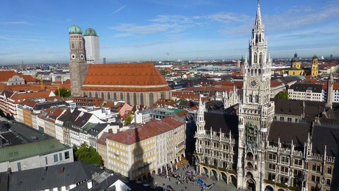 Ausblick vom alten Peter auf das Rathaus München