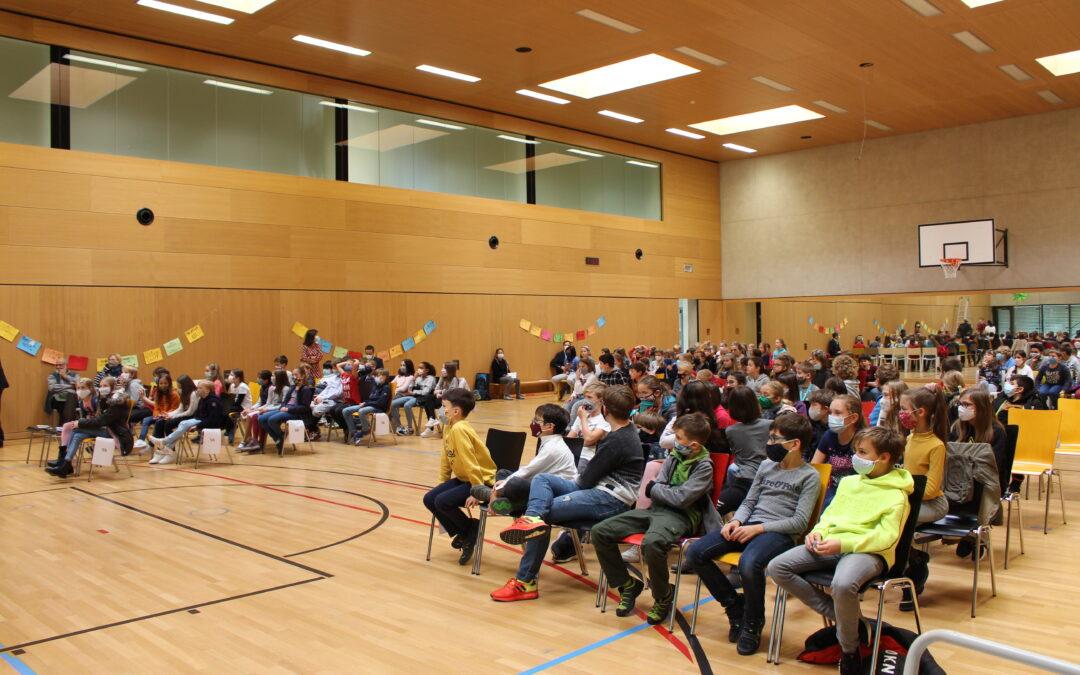 Schulgemeinschaft begrüßt 124 neue Fünftklässler mit einem Willkommensfest